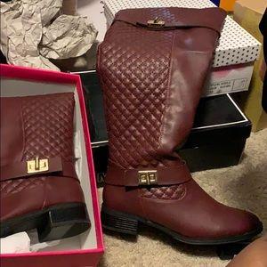 Tirana boots
